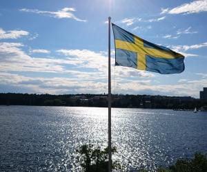 Ruotsi rajoittamassa pelaamista kovalla kädellä
