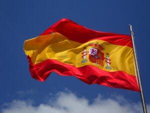 Espanja rajoittaa mainontaa