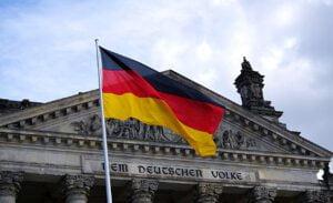 Saksa mahdollistaa onlinepelit 2021